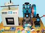CARDPROM: Малоформатное оборудование для изготовления пластиковых карт (все умещается на обычном рабочем столе): пресс - ламинатор, тигельный вырубщик, пробойник штифтовых отверстий.