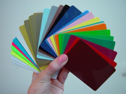 Кому и зачем нужны пластиковые карточки