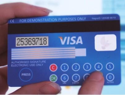 Кредитка VISA с жидкокристаллическим дисплеем