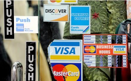Женщины больше полагаются на банковские карты, а мужчины на наличные