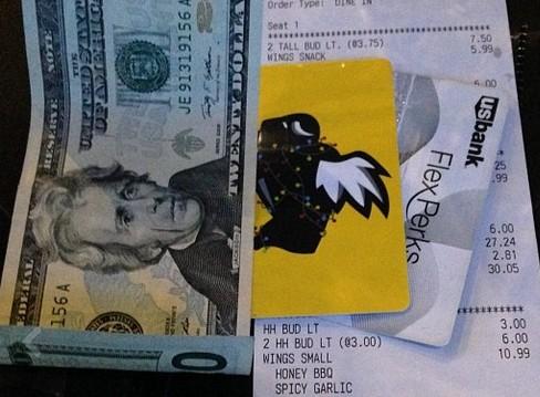 Главные ошибки использования банковской карты за границей