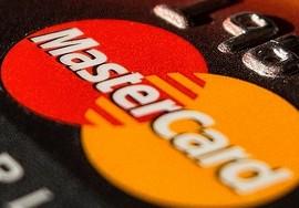 MasterCard борется за увеличенные международные комиссии